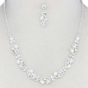 PEARL RHINESTONE NECKLACE